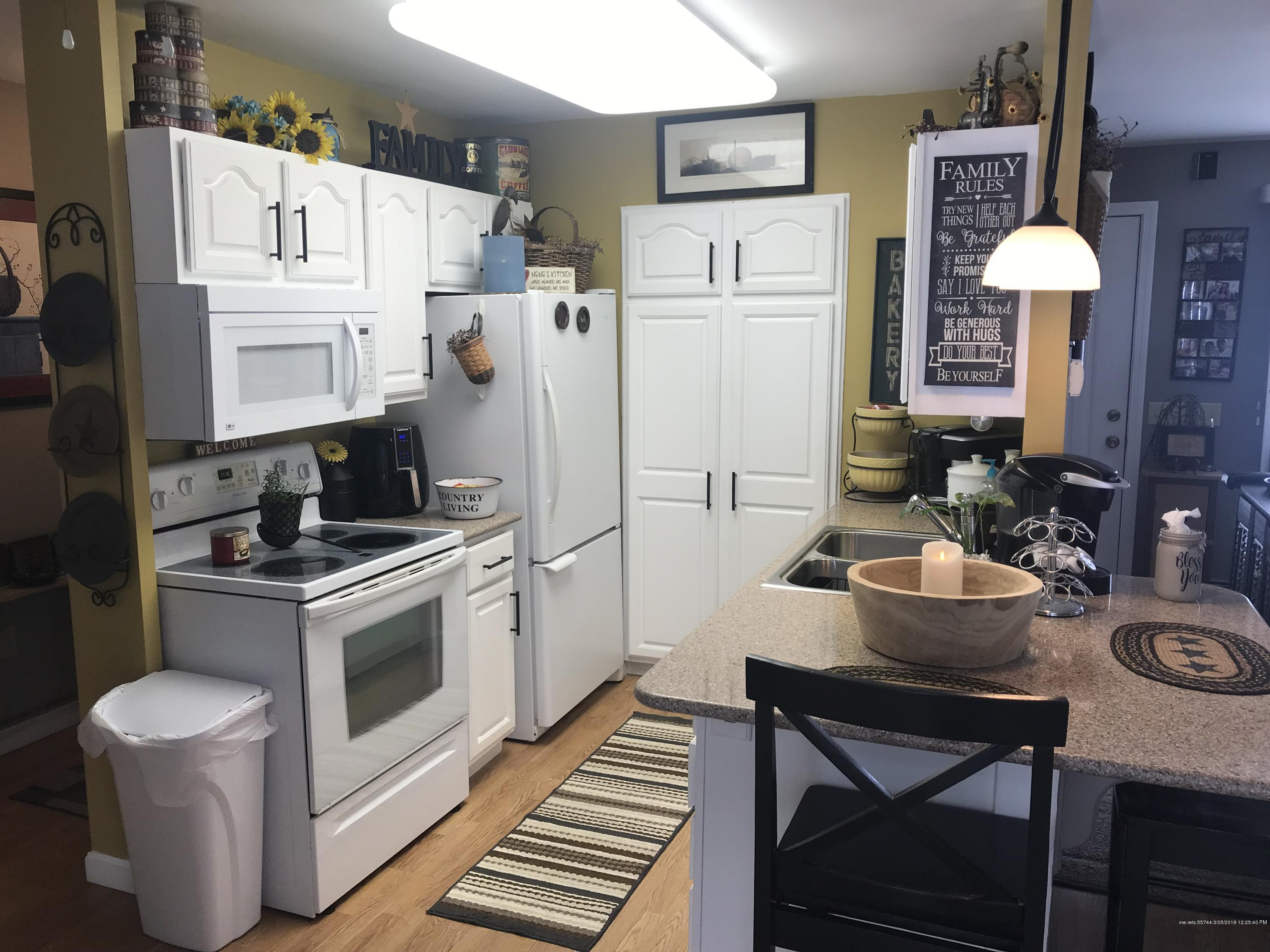 Take a Look at These Beautiful Country Kitchen Lewiston ...